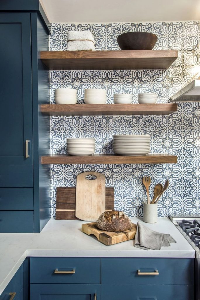 bold blue kitchen cabinets, open shelves + crushing #blue #cabrie ...