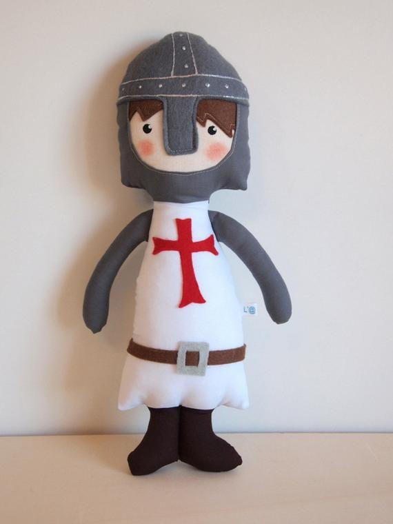"Cute and brave Templar Knight. It belongs to the rag doll collection ""Trapo Vi..."
