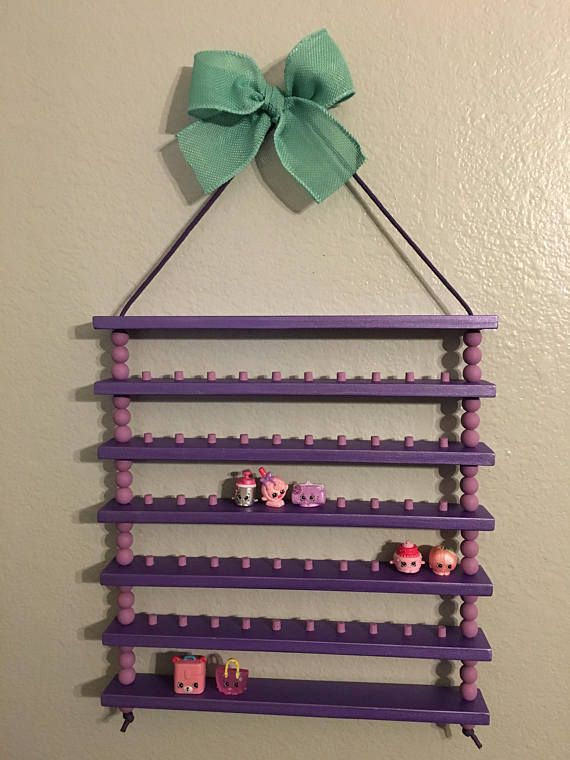 This Shopkins display shelf is perfect for storing some of your littlest toys! I...