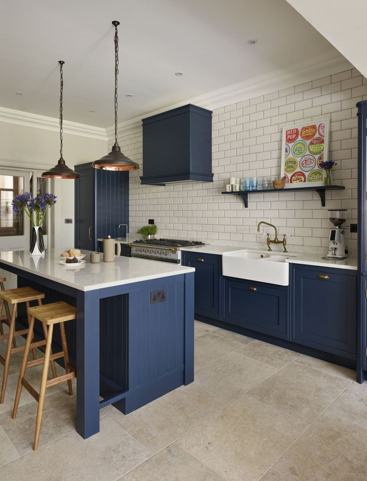 This Holkham inspired kitchen by Davonport is hand-painted using Bond Street by ...