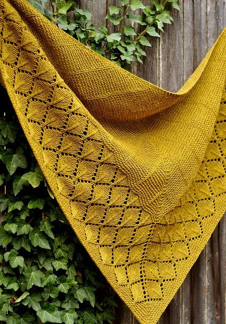 Shawl knitting pattern: Quaking Aspen by Dee O'Keefe. Quaking Aspen is a top-dow...