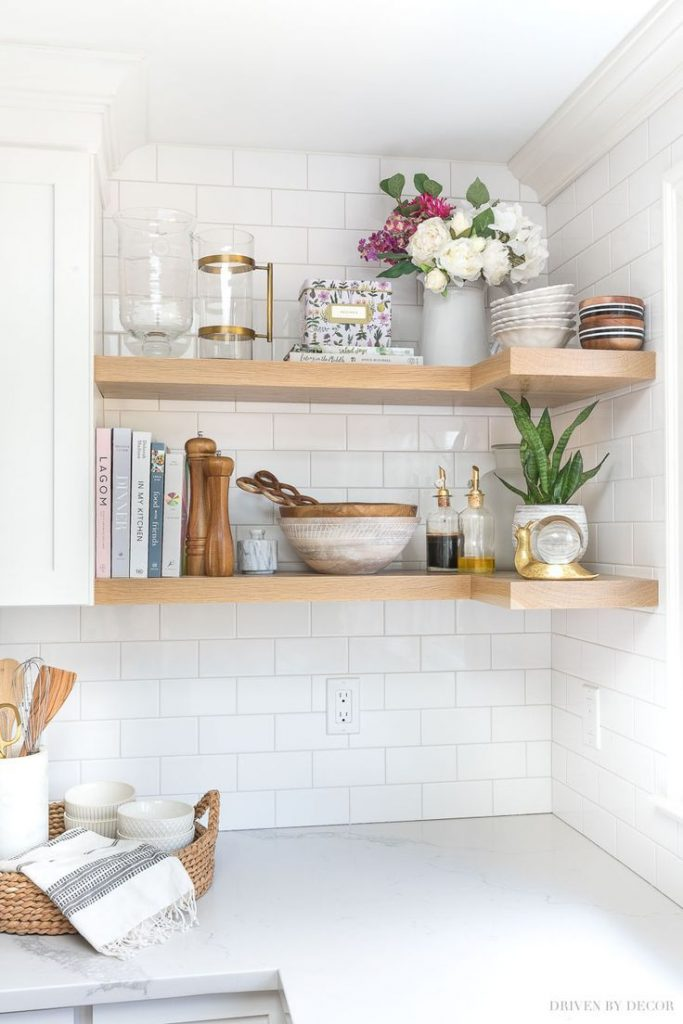 DIY floating corner shelves in our kitchen - All details!