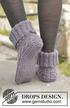"Celtic Dancer - Knitted DROPS slippers in ""Nepal"" with cable pattern. GröÃ ..."