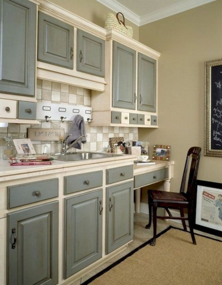 +42 Lovely Painted Kitchen Cabinets Two Tone Design Ideas