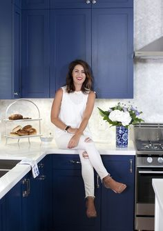 Love It or List It Vancouver: Talia & Travis and their new cobalt blue kitchen c...