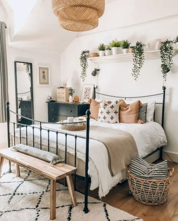 First apartment bohemian bedroom decoration ideas for you to see 9
