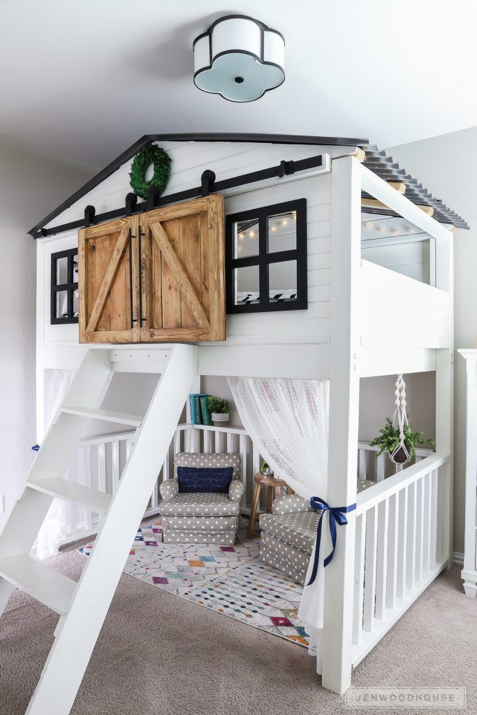 How to Build a DIY Sliding Barn Door Loft Bed Full Size - #barn #Bau #Bed #DIY #Door #Ein ...