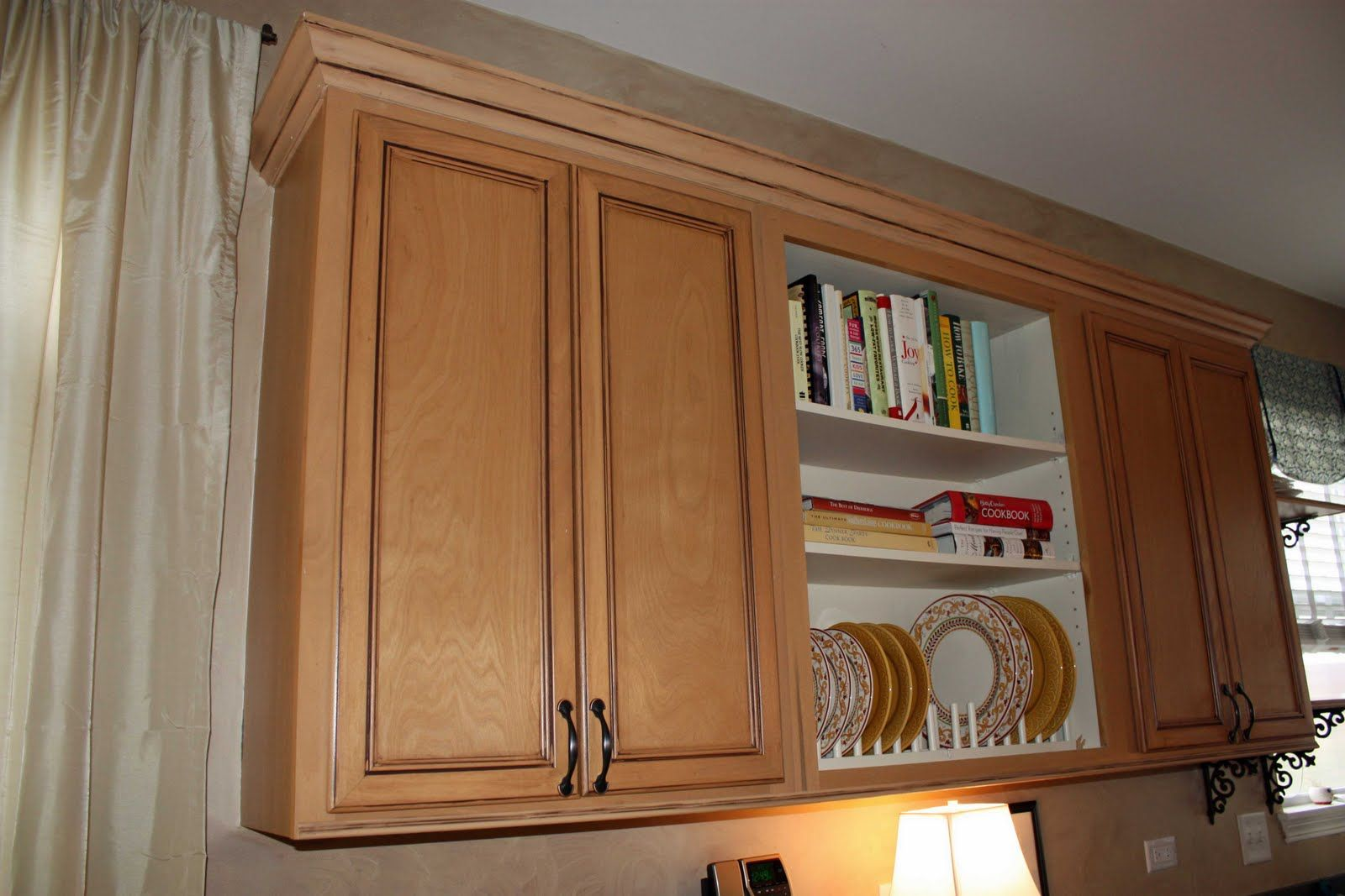 Transforming Home....: How to add crown molding to kitchen cabinets